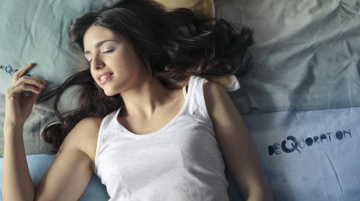 Care este cea mai sănătoasă poziție de somn?